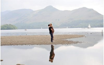 KESWICK WEDDING PHOTOGRAPHER / ENGAGEMENT SHOOT IN THE LAKE