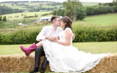 FARM WEDDING IN LANCASHIRE / LANCASHIRE WEDDING PHOTOGRAPHER