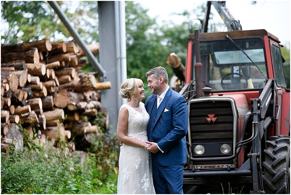 The Out Barn at Clough Bottom Wedding / Clitheroe Wedding Photographer